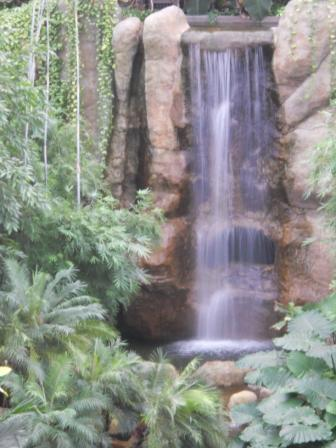 Wasserfall Gondwanaland Leipzig ©by hoschkat